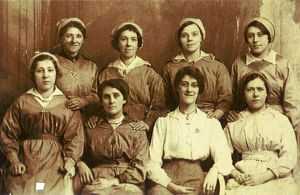Munition workers (including Frances L. Dickinson, bottom row, first left) National
