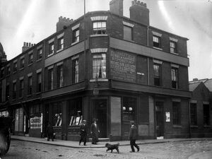 Newmarket Inn, Nos 11-13, Exchange Street (left) and No 1 Castle Hill (right), note